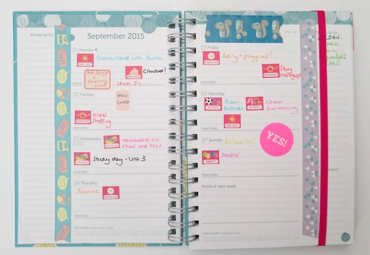The Organised Mum Life Book weekly view